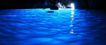 【イタリア】カプリ島、青の洞窟。Ym_S.jpg