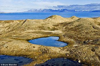 【ハート型地形14】ノルウェーのハート型の湖1].jpg