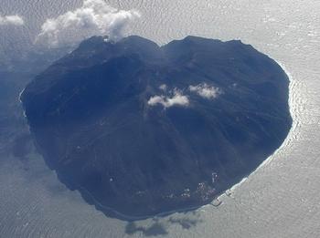 【ハート型地形41】インドネシアのバリの近くにある島6[1].jpg
