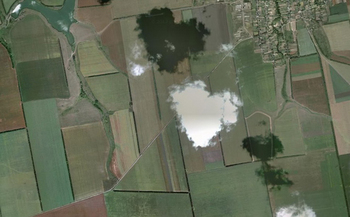 【ハート型地形44】ウクライナの村 Hlodosy 上空の雲[1].jpg