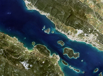 【ハート型地形45】クロアチアの島Galenjak を国際宇宙ステーションから撮影した画像1].jpg