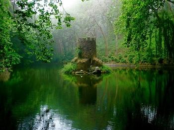 【ポルトガル】森の小城.jpg