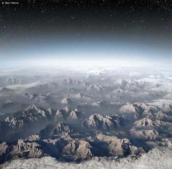 山脈と星屑.jpg